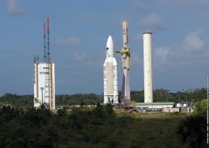 Tranfert du lanceur Ariane 5, vol 158 © CNES/ESA/Arianespace/CSG Service Optique, 2004