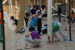 Lutherie Monumentale, Atelier pédagogique, mini spectacle avec des personnes handicapés et des professionnels, Carreau du Temple, Paris, juin 2015.