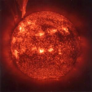 Eruption solaire 26-02-2000_image 1 Une grande éruption en forme de boucle a été observée grâce au télescope ultraviolet EIT de Soho (© ESA/NASA).